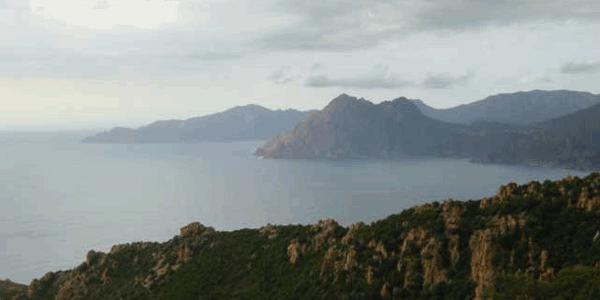 La Corse, si lointaine et si proche