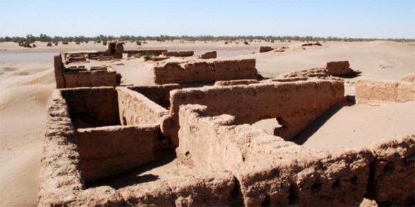 déserts marocain - village de Mhamid et le Draa