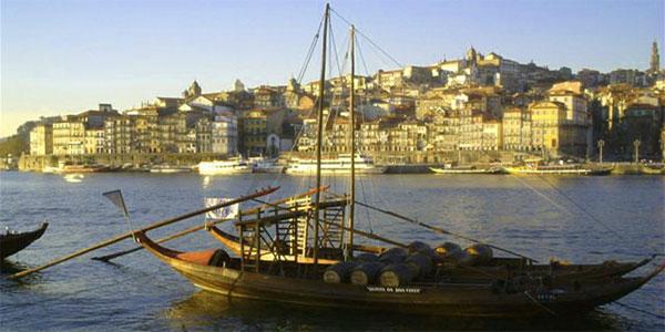 Le Douro dans la traversée de Porto