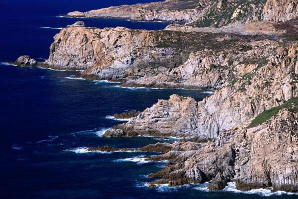 Découvrir la Corse en Kayak
