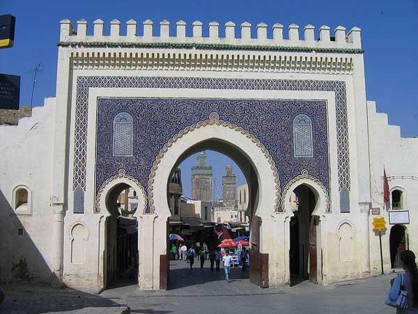 La porte Bab Boujeloud, une des entrées dasn la mediné