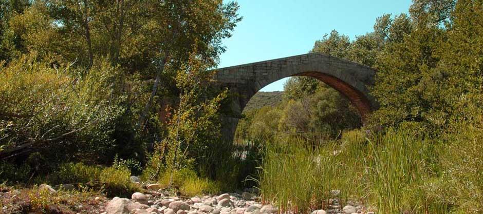 Le pont Génois près de Sartène