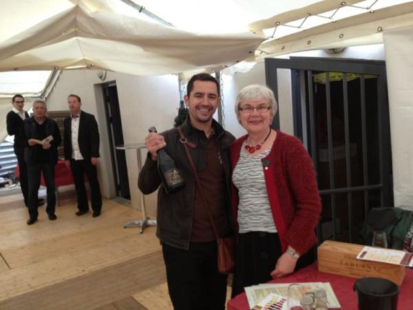Dégustation des champagnes Tarlant à la cave d'or : Madame Micheline Tarlant et Benjamin Poussardin (agent de vignerons)