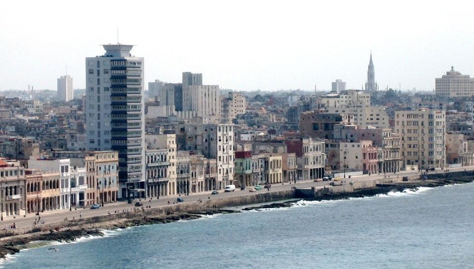 Conseil pour un voyage à Cuba :  L'avenue du bord de mer, le Malécon,