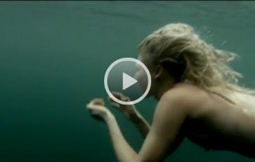 Nage dans le lac de Snowdomia au Pays de Galle